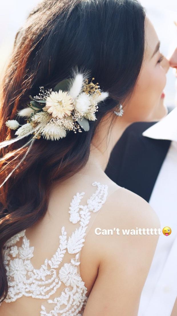 Cuối cùng MC Hoàng Oanh đã nhá hàng ảnh cưới với bạn trai Tây, khẳng định vẫn chạy show đều dù cận ngày trọng đại - Ảnh 1.