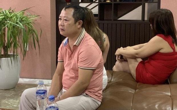 Chủ nhà nghỉ nuôi hàng chục cô gái massage để chiều khách tới Z  - Ảnh 1.