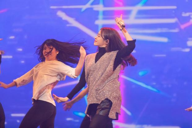 Trước thêm ABU Song Festival, Hoàng Thùy Linh diễn tập cùng 100% vũ công người Nhật, ca khúc được khán giả trông đợi đã được hé lộ! - Ảnh 6.