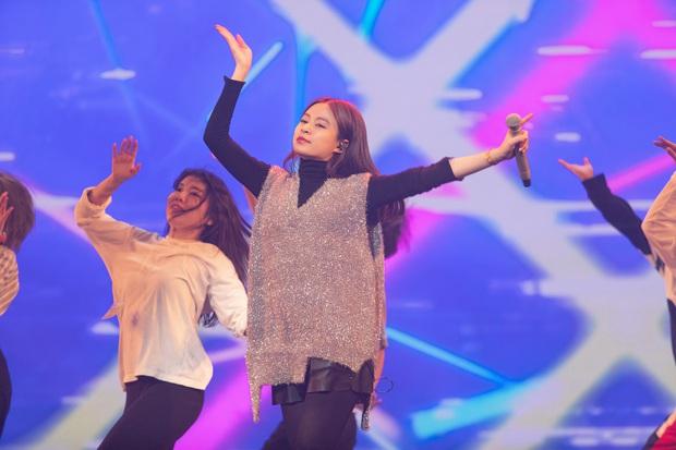 Trước thêm ABU Song Festival, Hoàng Thùy Linh diễn tập cùng 100% vũ công người Nhật, ca khúc được khán giả trông đợi đã được hé lộ! - Ảnh 7.