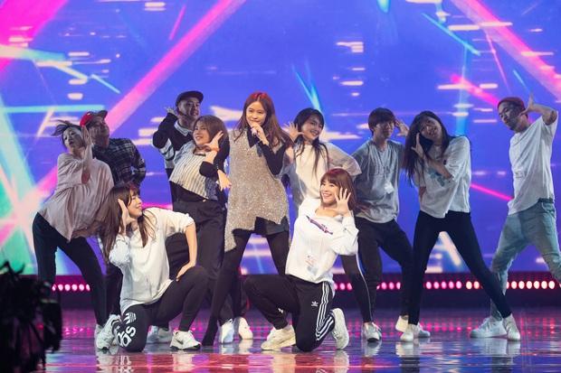 Trước thêm ABU Song Festival, Hoàng Thùy Linh diễn tập cùng 100% vũ công người Nhật, ca khúc được khán giả trông đợi đã được hé lộ! - Ảnh 9.