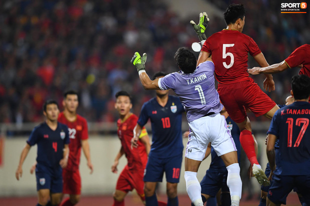 Trọng tài hết đẹp trai, gây khó hiểu với những quyết định cực bất lợi cho Việt Nam trước Thái Lan - Ảnh 3.