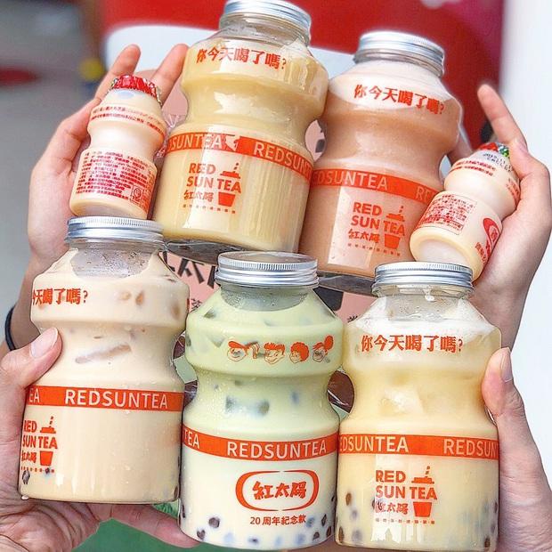 Tín đồ trà sữa phát cuồng với phiên bản đặc biệt hình lọ sữa chua uống siêu to khổng lồ có dung tích lên đến 700ml tại Đài Nam - Ảnh 8.
