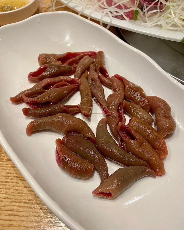 Đến chợ hải sản lớn nhất Seoul ăn cua hoàng đế mà mải mặc cả quá, mãi sau Kỳ Duyên mới phát hiện ra chú cua đã bị rụng mất một chân - Ảnh 9.