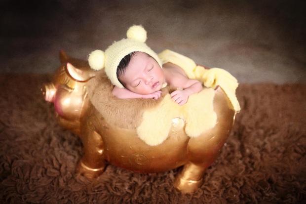 Vợ chồng Bùi Tiến Dũng chính thức công khai diện mạo con gái nhỏ cực dễ thương, tiết lộ luôn tên thật của bé - Ảnh 2.