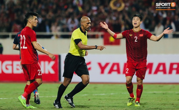 Thủ môn Thái Lan va chạm với Văn Hậu: Việt Nam rất mạnh, tất cả các cầu thủ Việt Nam đều nguy hiểm - Ảnh 2.