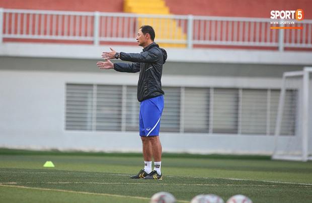 Tiền vệ Trương Văn Thái Quý: Trọng Hoàng và Hùng Dũng sẽ là sự bổ sung cần thiết cho U22 Việt Nam hướng tới mục tiêu cao nhất tại SEA Games 30 - Ảnh 5.