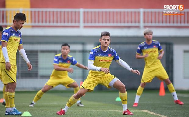 Tiền vệ Trương Văn Thái Quý: Trọng Hoàng và Hùng Dũng sẽ là sự bổ sung cần thiết cho U22 Việt Nam hướng tới mục tiêu cao nhất tại SEA Games 30 - Ảnh 2.