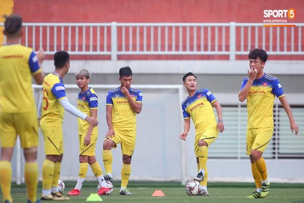 Tiền vệ Trương Văn Thái Quý: Trọng Hoàng và Hùng Dũng sẽ là sự bổ sung cần thiết cho U22 Việt Nam hướng tới mục tiêu cao nhất tại SEA Games 30 - Ảnh 6.