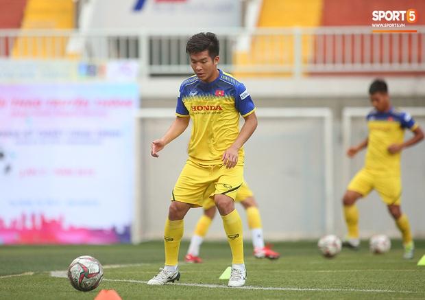 Tiền vệ Trương Văn Thái Quý: Trọng Hoàng và Hùng Dũng sẽ là sự bổ sung cần thiết cho U22 Việt Nam hướng tới mục tiêu cao nhất tại SEA Games 30 - Ảnh 3.