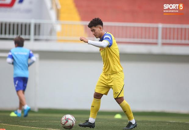 Tiền vệ Trương Văn Thái Quý: Trọng Hoàng và Hùng Dũng sẽ là sự bổ sung cần thiết cho U22 Việt Nam hướng tới mục tiêu cao nhất tại SEA Games 30 - Ảnh 12.