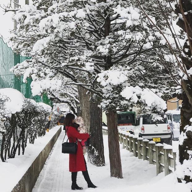 """Bộ ảnh phố Nhật về đêm đầy """"ảo diệu"""" đang gây sốt cộng đồng mạng, hóa ra mùa đông xứ hoa anh đào đẹp đến thế sao? - Ảnh 13."""