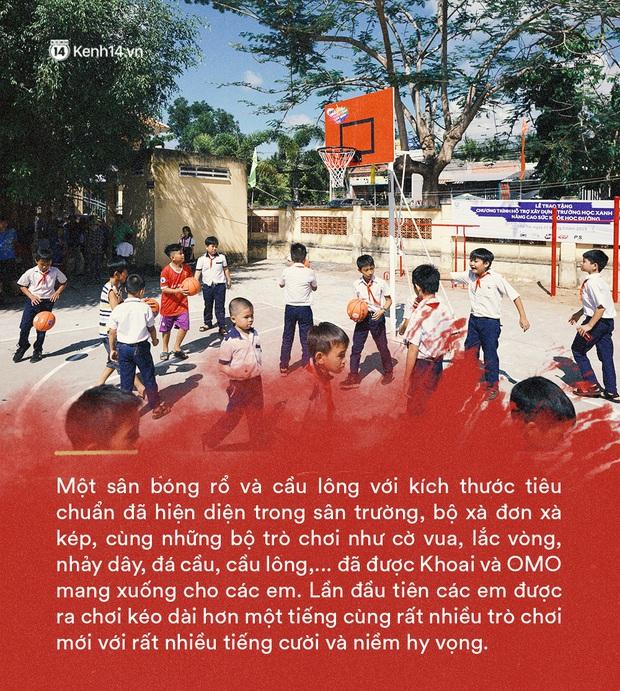 Những diệu kỳ mà travel blogger Khoai Lang Thang mang đến cho các em nhỏ - Ảnh 3.