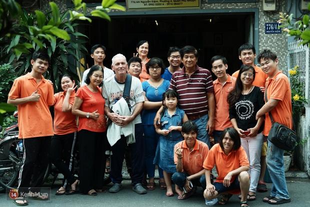 Lớp hội họa không thanh âm, không học phí ở Sài Gòn: Dạy nghề dạy cả cách sẻ chia với đời - Ảnh 11.