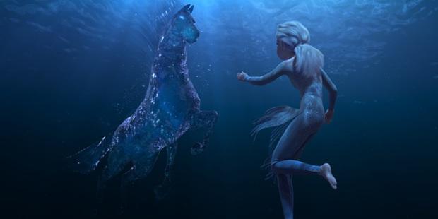 Tiết lộ bất ngờ về Frozen 2: Elsa suýt để tóc ngắn, Anna thay váy hết 122 lần? - Ảnh 2.