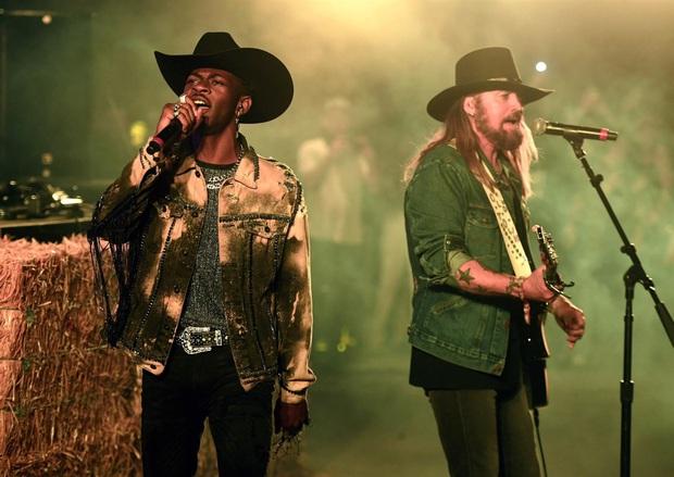 Billboard gọi tên 10 ca khúc xuất sắc nhất của thập kỉ: Ai có ngờ ca khúc tệ nhất năm 2018 do Time bình chọn lại xuất hiện trong danh sách - Ảnh 11.