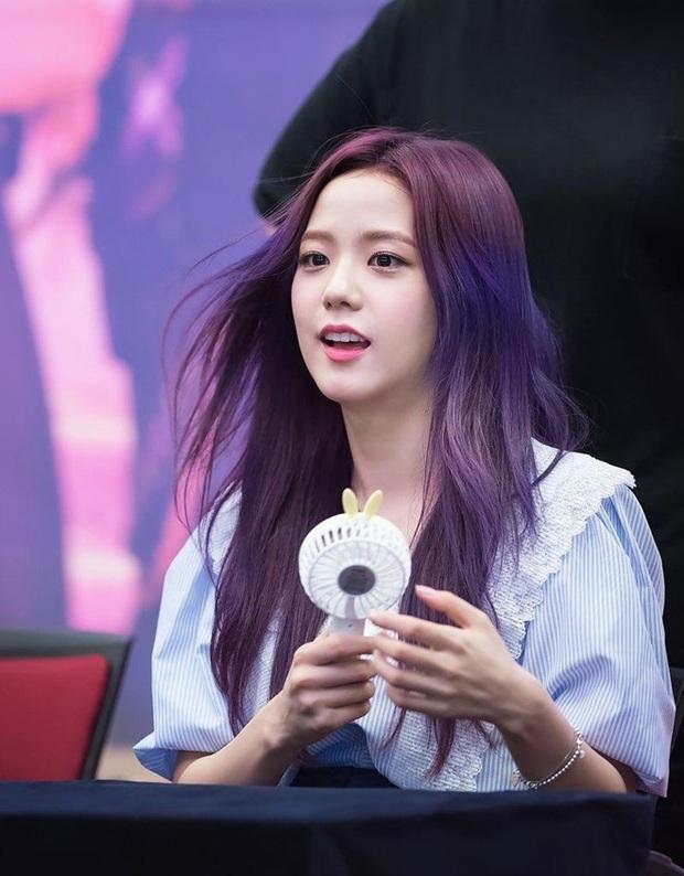 Nhan sắc các nữ thần Hàn qua phản ứng của dàn sao đình đám: GD mê Yoona như điếu đổ, IU mê hoặc cả em út BTS và TWICE - Ảnh 29.