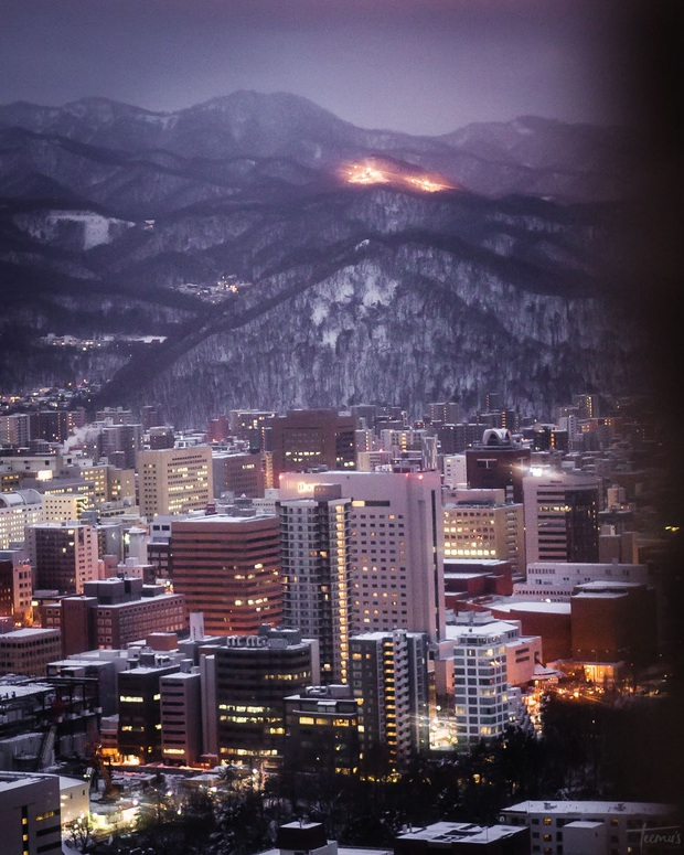 """Bộ ảnh phố Nhật về đêm đầy """"ảo diệu"""" đang gây sốt cộng đồng mạng, hóa ra mùa đông xứ hoa anh đào đẹp đến thế sao? - Ảnh 10."""