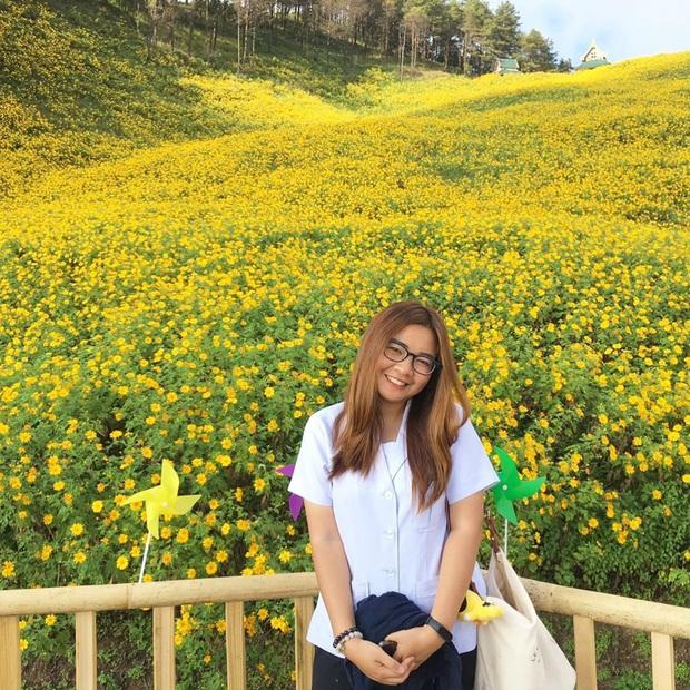 Đồi hoa dã quỳ vàng rực chẳng biết là mơ hay thật đang gây sốt toàn Thái Lan, xem ảnh ngoài đời chỉ biết ngỡ ngàng vì đẹp! - Ảnh 3.