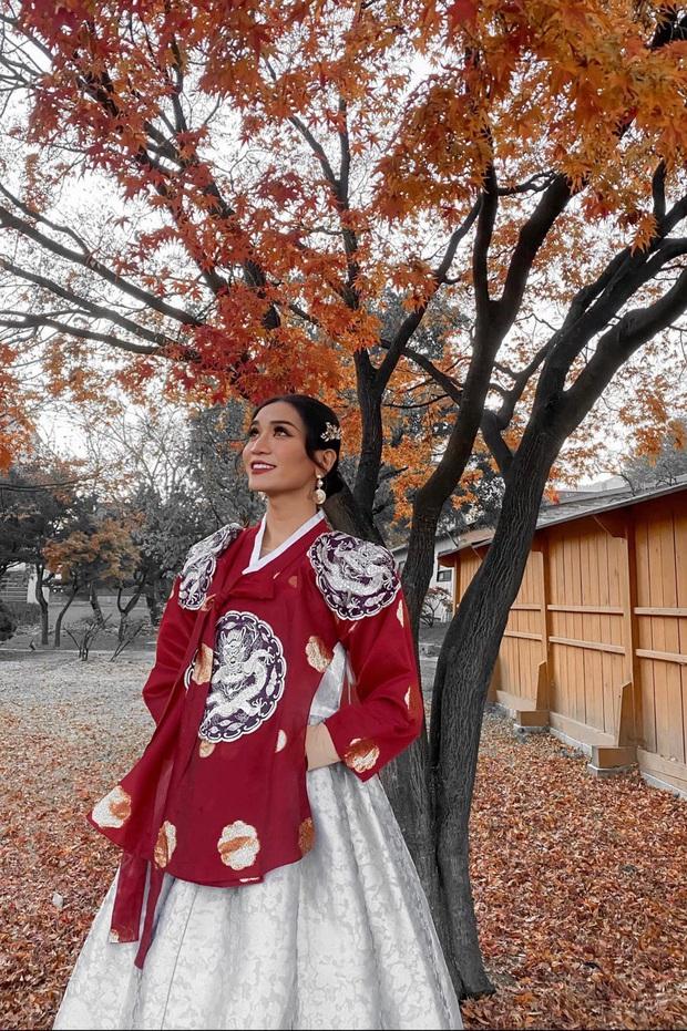 BB Trần diện Hanbok cực thần thái, sẵn sàng tiến cung ở Hàn Quốc: Đẹp thế này liệu có thể tranh sủng làm Hoàng hậu? - Ảnh 2.