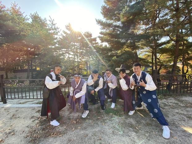 Công ty người ta không bao giờ làm tôi thất vọng: Du lịch Hàn Quốc theo concept, mỗi ngày đều chụp ảnh như thi Next Top Model - Ảnh 4.