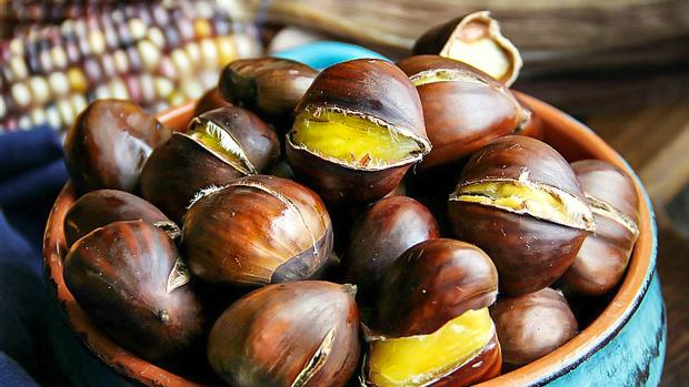 Là món ăn chơi vô cùng quen thuộc vào mùa đông, không ngờ hạt dẻ nóng còn mang lại thêm 5 lợi ích cho sức khỏe - Ảnh 2.