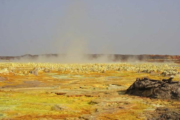Chùm ảnh: Cuộc sống ở nơi nóng nhất hành tinh - Ảnh 2.
