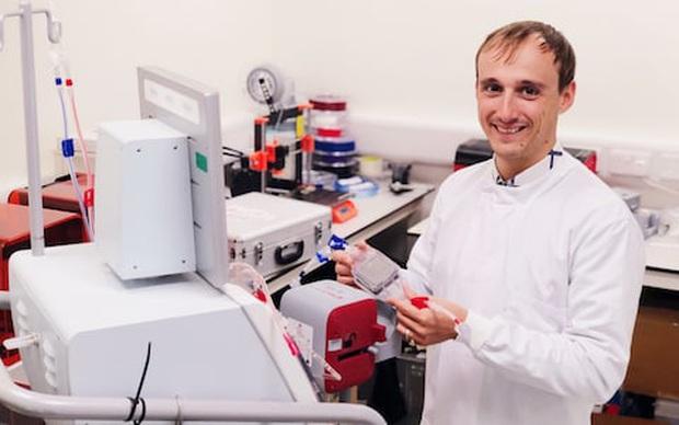 Kinh ngạc với cỗ máy nam châm có thể hút mọi mầm bệnh ra khỏi cơ thể, từ vi khuẩn, virus tới cả ung thư - Ảnh 3.