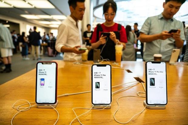 """Trước thì kêu gọi tẩy chay, nay người Trung Quốc """"yêu lại từ đầu"""" Apple? - Ảnh 1."""