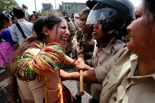 Đi tìm lời giải cho vấn nạn hiếp dâm mãi hoành hành tại Ấn Độ: Khi công lý ngủ quên và những mặt trái giam cầm người phụ nữ - Ảnh 3.