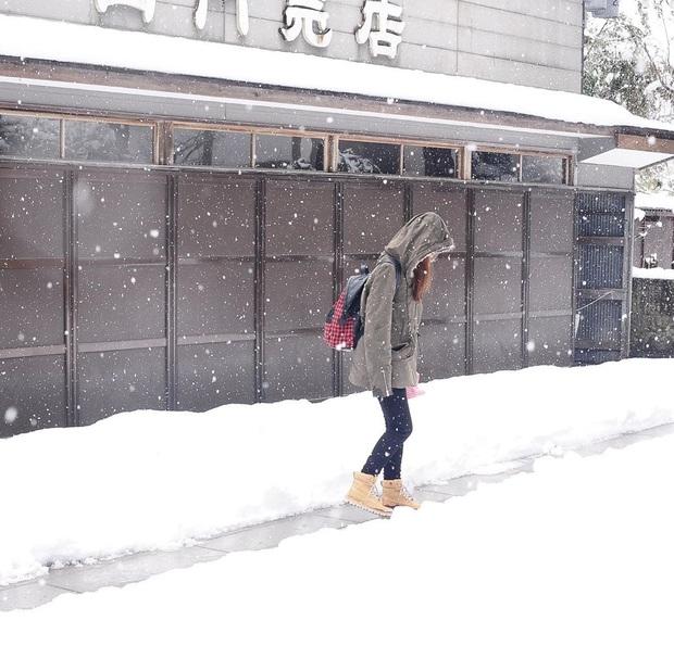 """Bộ ảnh phố Nhật về đêm đầy """"ảo diệu"""" đang gây sốt cộng đồng mạng, hóa ra mùa đông xứ hoa anh đào đẹp đến thế sao? - Ảnh 12."""