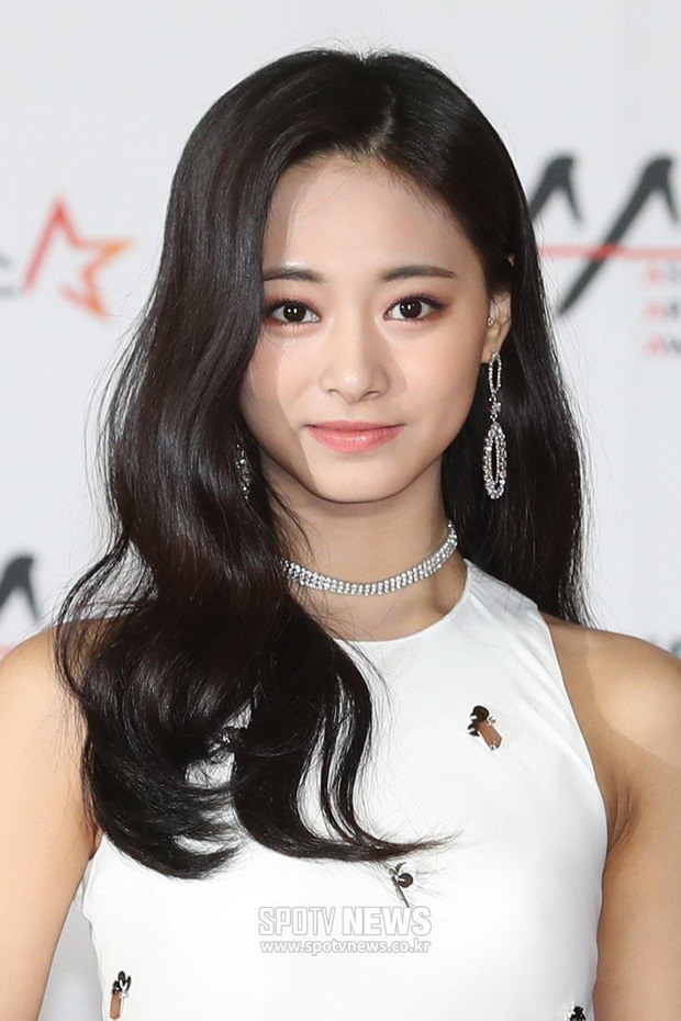 Đây là dàn nữ thần Kbiz sắp khiến thảm đỏ AAA 2019 ở Việt Nam nổ tung: Yoona, Thư ký Kim hay thiên thần lai đỉnh hơn? - Ảnh 12.