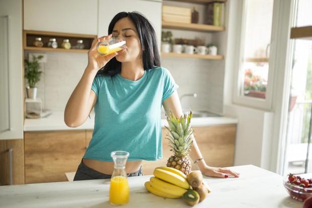 Chuyên gia nói gì về những loại vitamin bạn vẫn được khuyên nên uống thêm viên bổ sung? - Ảnh 3.