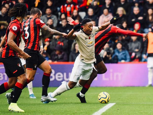 Phung phí cơ hội ghi bàn, Man Utd lại thua tại Ngoại hạng Anh - Ảnh 4.