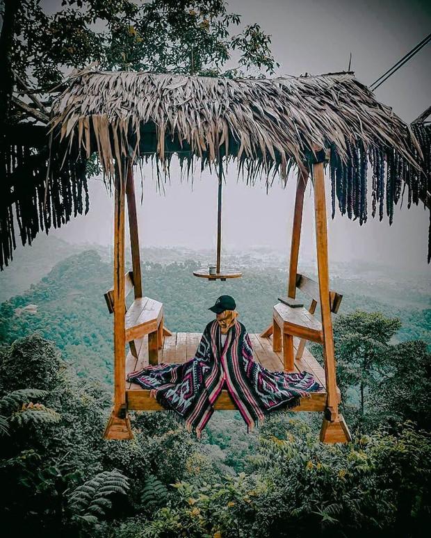 Độc nhất Indonesia quán cafe lửng lơ trên cây không dành cho hội yếu tim, dân mạng đua nhau check-in ầm ầm trên Instagram - Ảnh 15.