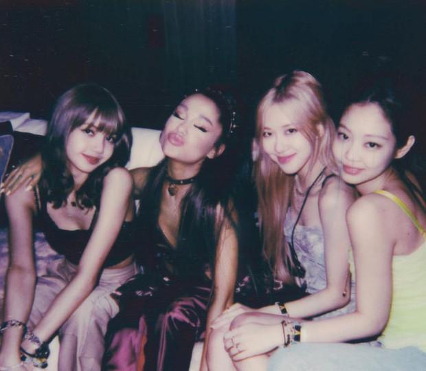 Chạy sô như Jennie (BLACKPINK): Cùng dàn sao thế giới dự tiệc Halloween của Ariana, lại đến sinh nhật Willow Smith - Ảnh 6.