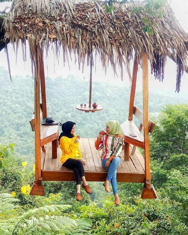 Độc nhất Indonesia quán cafe lửng lơ trên cây không dành cho hội yếu tim, dân mạng đua nhau check-in ầm ầm trên Instagram - Ảnh 22.