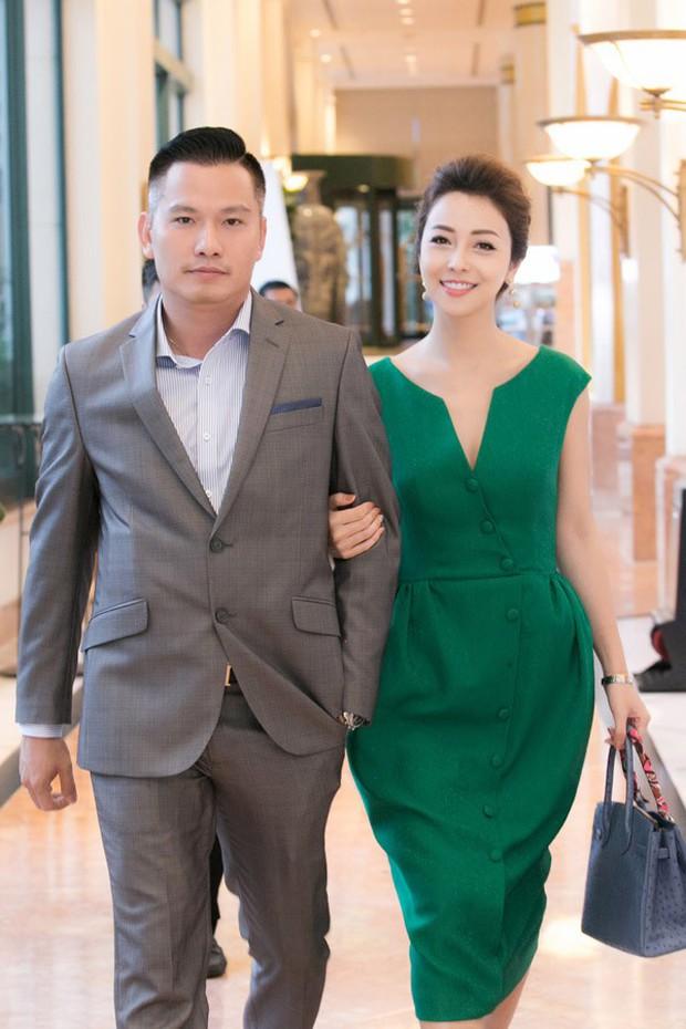 Học vấn khủng của loạt dâu rể showbiz Việt: Toàn doanh nhân thành đạt tốt nghiệp loại giỏi, thạo 4, 5 ngoại ngữ - Ảnh 4.