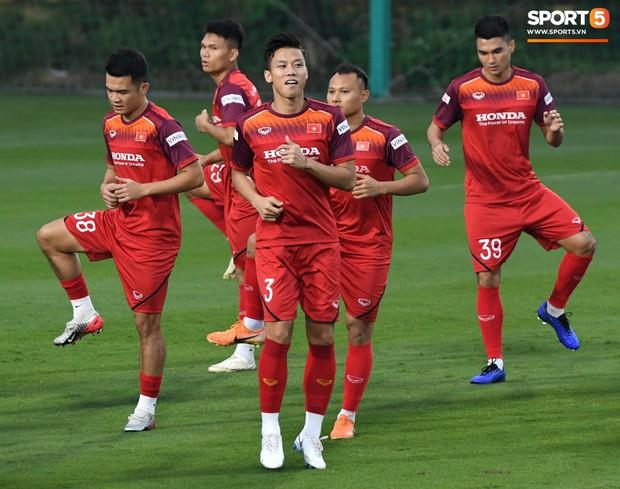 Sau quãng nghỉ vì dịch virus corona, bóng đá Việt Nam sẽ trở lại với guồng quay 'điên cuồng' chưa từng thấy
