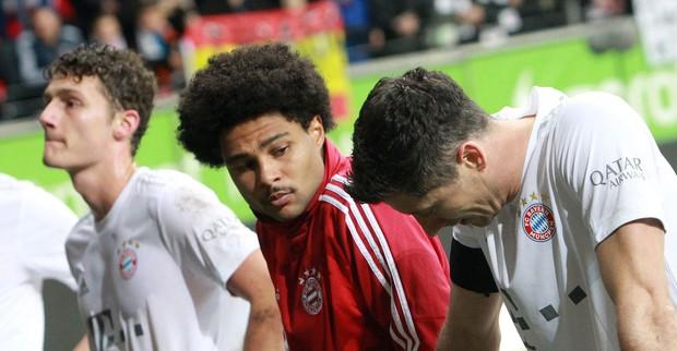 Cú sốc lớn nhất của bóng đá châu Âu tuần này - Ảnh 9.