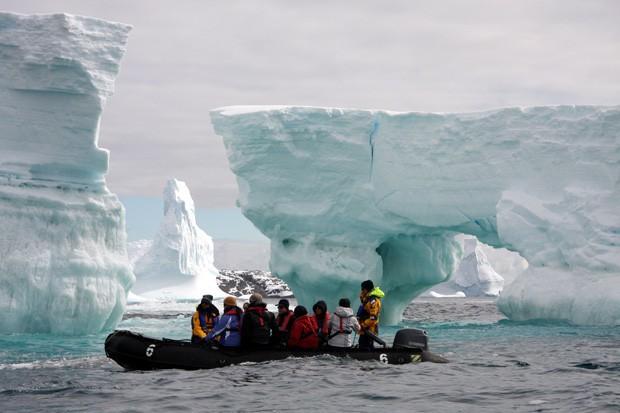 Nam Cực đang trở thành điểm du lịch hút khách mới trong tương lai, nghe thì vui nhưng đó lại là 1 dấu hiệu đáng buồn cho Trái Đất - Ảnh 24.