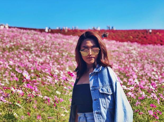 Đẹp nhất Nhật Bản mùa này chính là đồi cỏ Kochia đỏ rực, du khách đua nhau check-in đông không thấy lối đi - Ảnh 29.