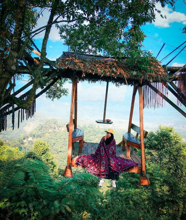 Độc nhất Indonesia quán cafe lửng lơ trên cây không dành cho hội yếu tim, dân mạng đua nhau check-in ầm ầm trên Instagram - Ảnh 7.