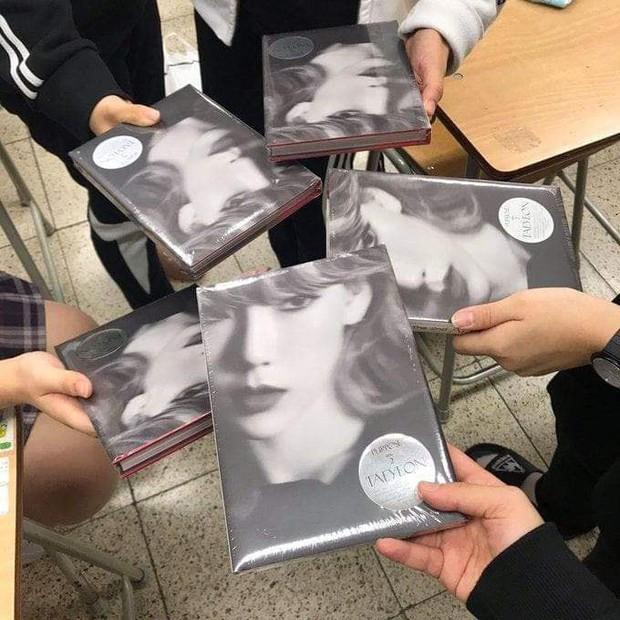 Phát hờn với giáo viên tâm lý trường người ta, mua hẳn 400 album mới của Taeyeon tặng học trò để lấy động lực thi cử - Ảnh 3.