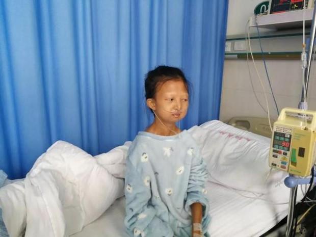 Chị gái 24 tuổi chỉ nặng 21,5kg bỏ học kiếm tiền nuôi em trai mắc bệnh tâm thần và chuỗi ngày bất hạnh nối tiếp - Ảnh 1.
