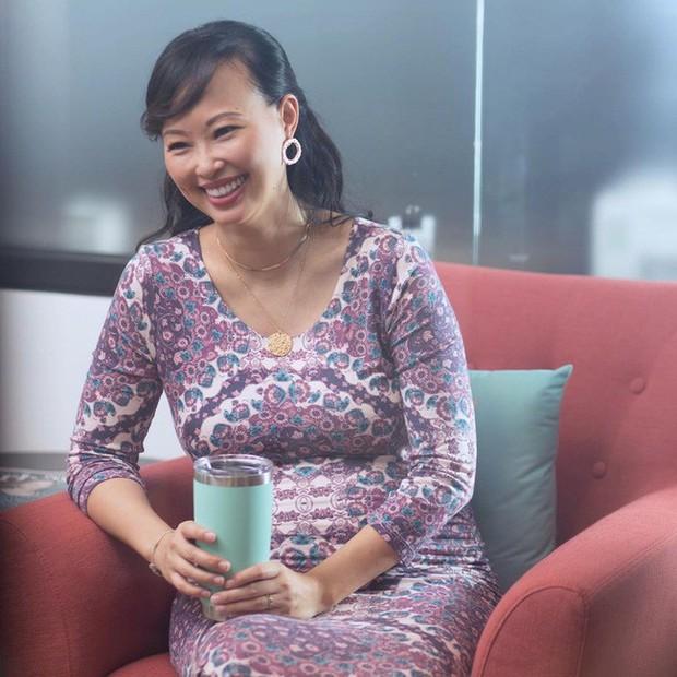 Shark Linh bất ngờ tiết lộ ảnh chụp hồi cấp 3, ai nhìn cũng phải gật gù với thứ theo chị đi cùng năm tháng - Ảnh 1.