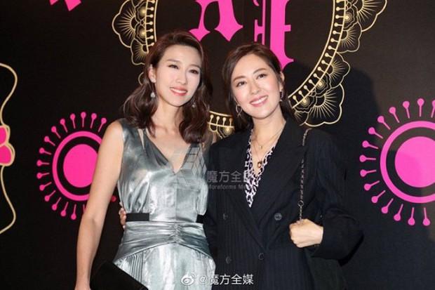 Xa Thi Mạn xuất hiện gợi cảm trong đám cưới trai hư TVB Trần Sơn Thông nhưng không ngờ lại sánh đôi cùng nhân vật này - Ảnh 12.