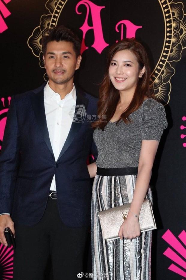 Xa Thi Mạn xuất hiện gợi cảm trong đám cưới trai hư TVB Trần Sơn Thông nhưng không ngờ lại sánh đôi cùng nhân vật này - Ảnh 14.