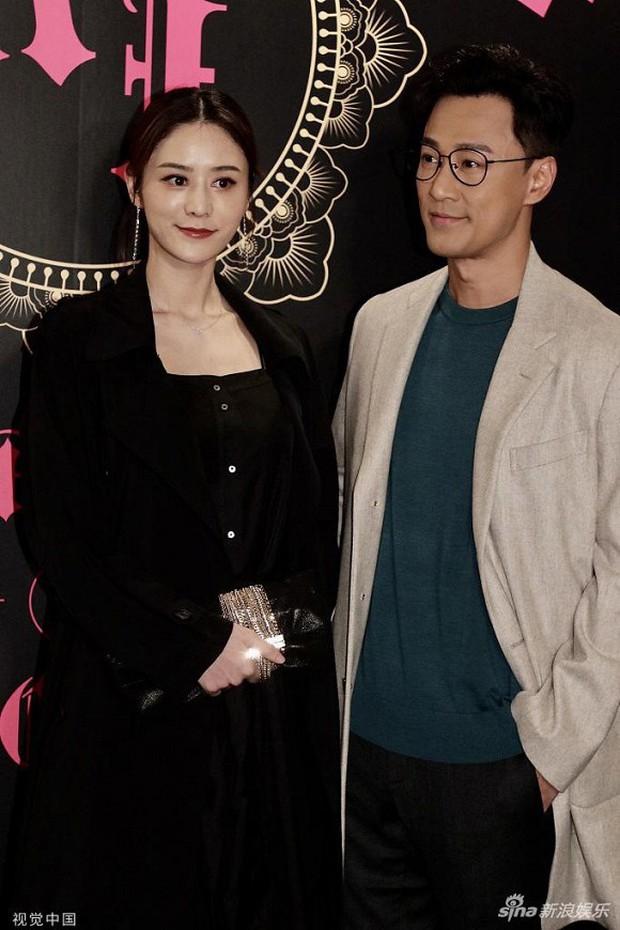 Xa Thi Mạn xuất hiện gợi cảm trong đám cưới trai hư TVB Trần Sơn Thông nhưng không ngờ lại sánh đôi cùng nhân vật này - Ảnh 15.