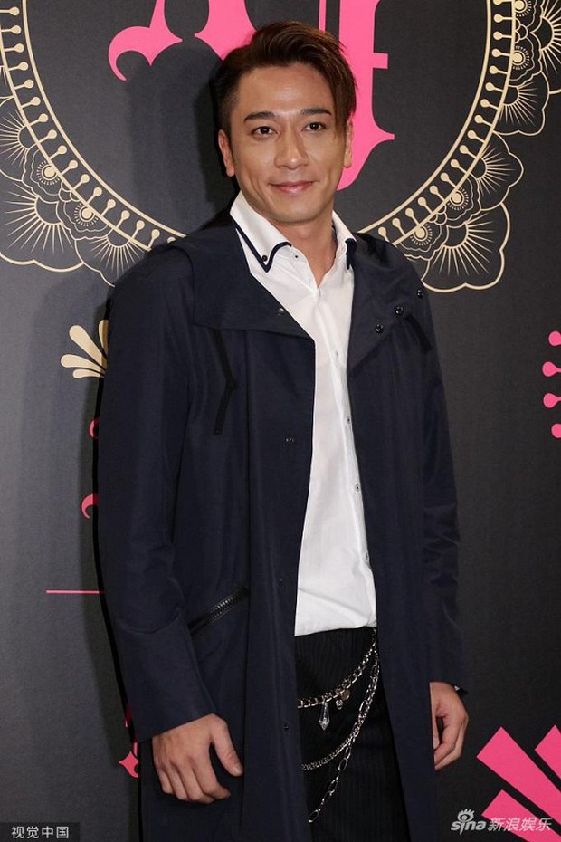 Xa Thi Mạn xuất hiện gợi cảm trong đám cưới trai hư TVB Trần Sơn Thông nhưng không ngờ lại sánh đôi cùng nhân vật này - Ảnh 7.